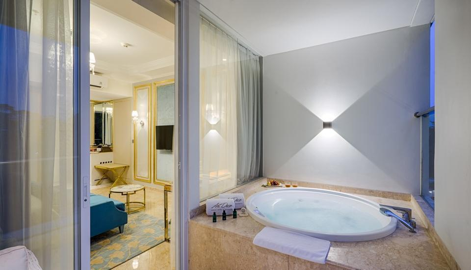 Art Deco Luxury Hotel & Residence Bandung - Jacuzzi Suite Regular Plan