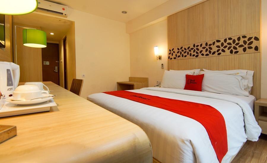 RedDoorz Premium @ Karang Tenget Tuban - Kamar Tamu