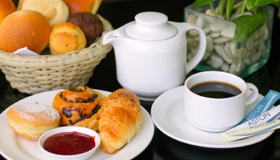 Aston Kuta - Food
