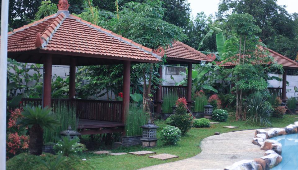 Sun Palace Hotel Mojokerto - Kolam Renang