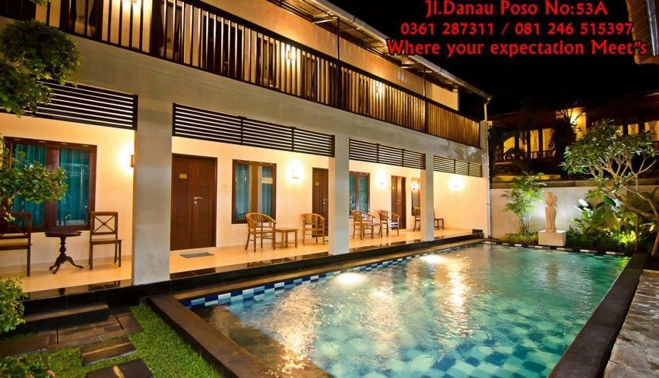 Sanur Guest House Bali - suasana di malam hari di sanurguest house