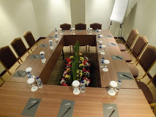 Grand Whiz Nusa Dua - Ruang Rapat