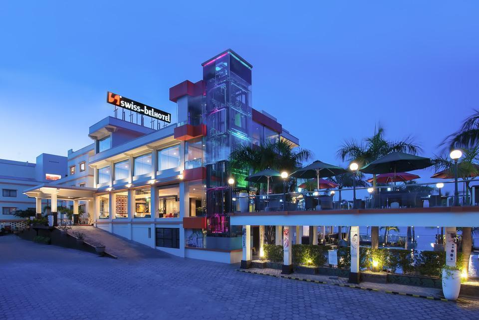 Swiss-Belhotel Silae Palu - Facade Hotel