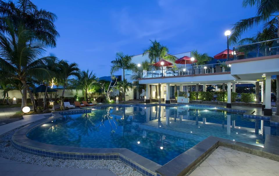 Swiss-Belhotel Silae Palu - Swimming Pool
