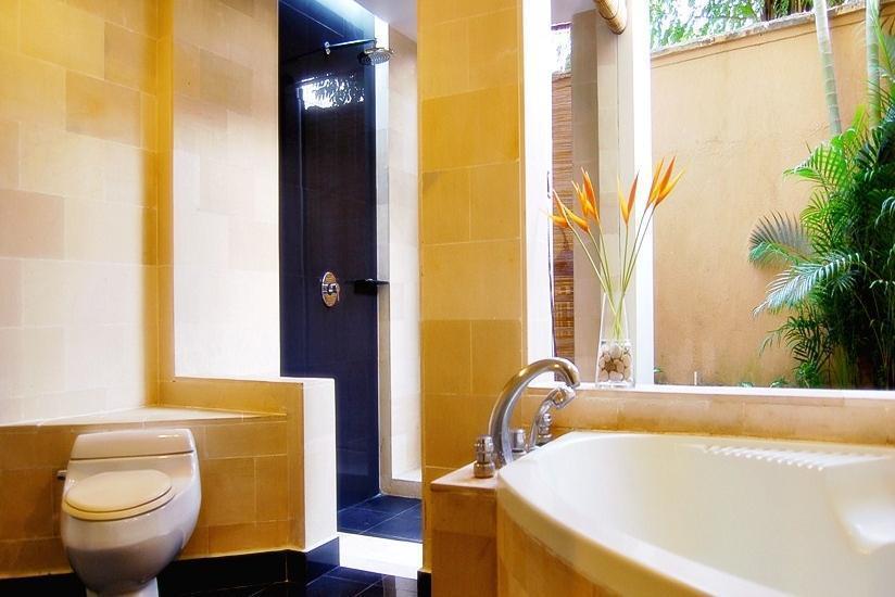 Sanur Paradise Plaza Hotel Bali - Kamar Mandi
