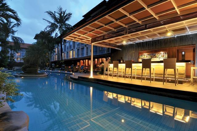 Sanur Paradise Plaza Hotel Bali - Pool Bar