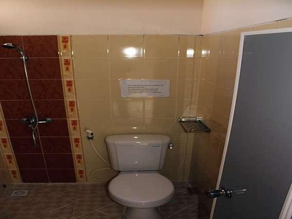 Omah Ambarukmo Yogyakarta - Kamar mandi