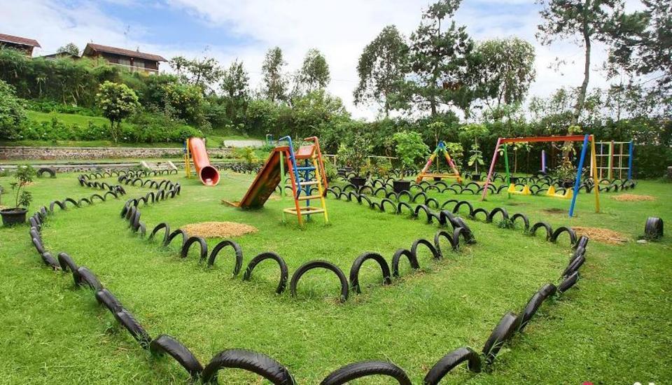 Villa Anyelir Istana Bunga - Lembang Bandung Bandung - Taman Bermain Anak