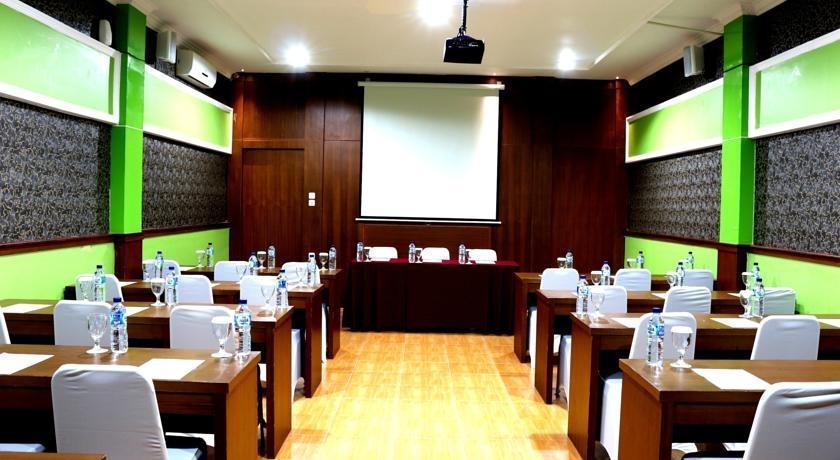 Green Tropical Village Hotel & Resort Belitung - Ruang Rapat