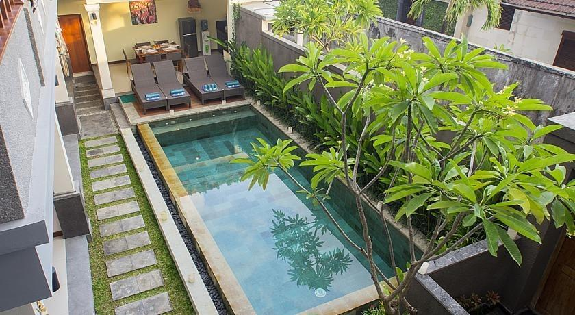 Villa Kamar Madu Seminyak Bali - kolam renang