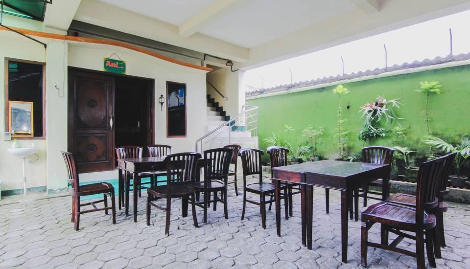 Hotel Bandara Asri Yogyakarta - Breakfast Area