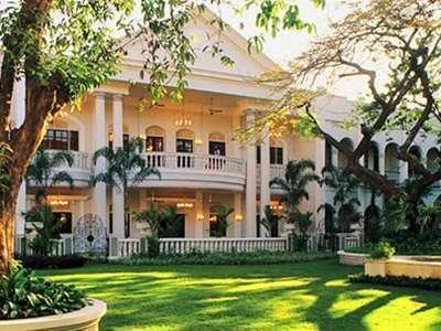 Hotel Majapahit Surabaya - Taman