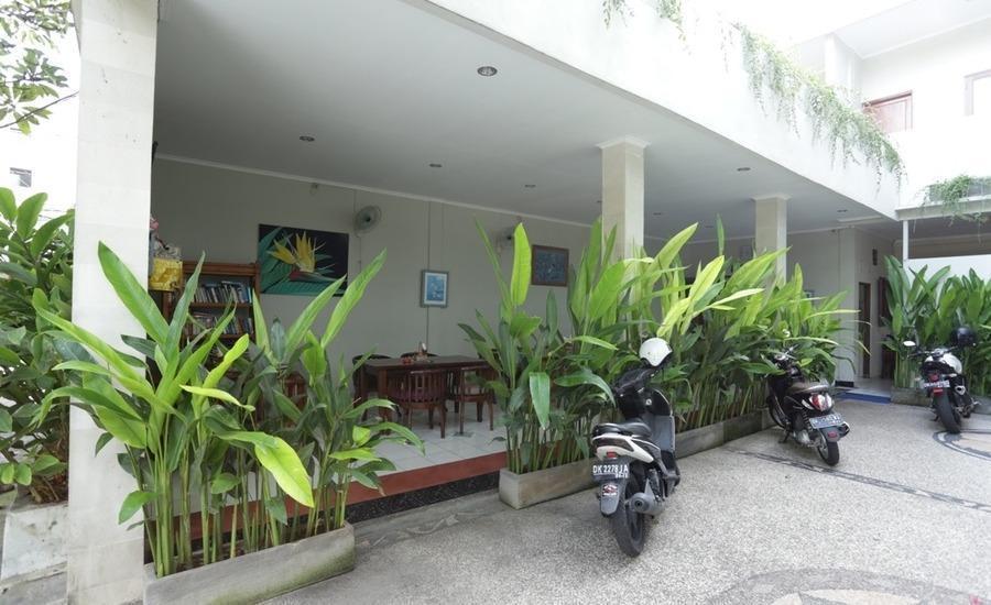 RedDoorz @Werkudara Legian Bali - Parkir