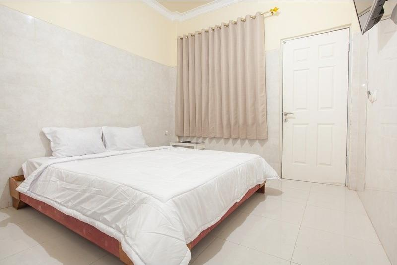 Pondok Rizqi Rejo Surabaya - Double Room Regular Plan