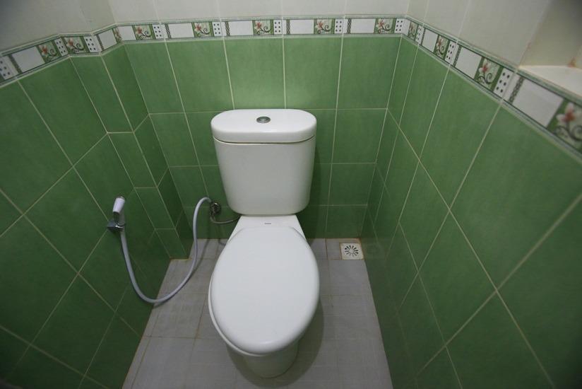 RedDoorz @Karet Pedurenan Jakarta - Kamar mandi