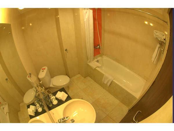 Semesta Hotel Semarang - Mandi Shower