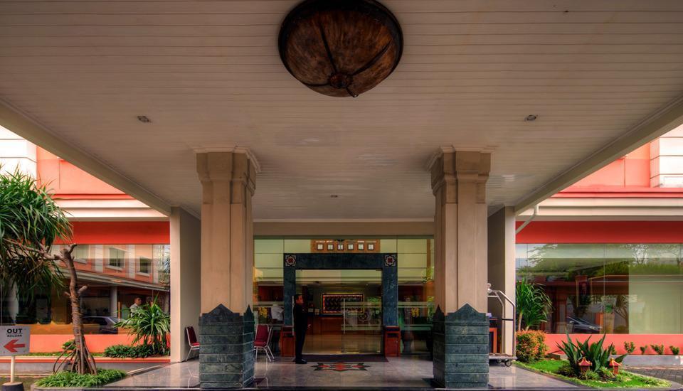 Semesta Hotel Semarang - Eksterior