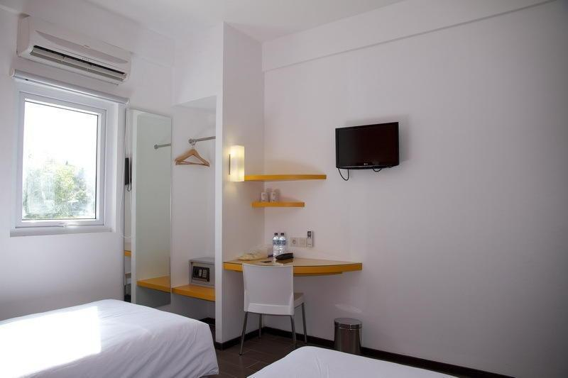 Amaris Hotel Ambon - Smart Room Hollywood Ramadhan Promo Regular Plan