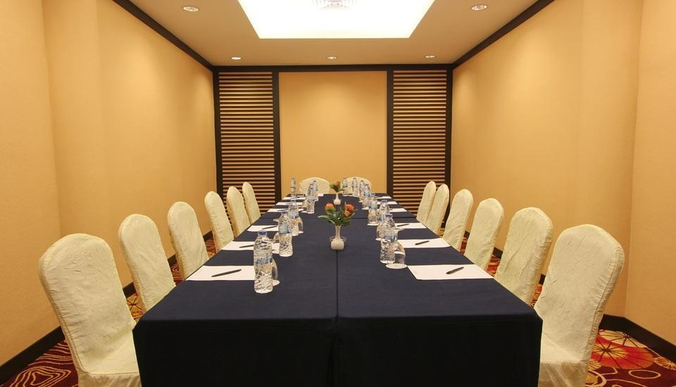 Harmoni Suites Hotel Batam - Meeting Room