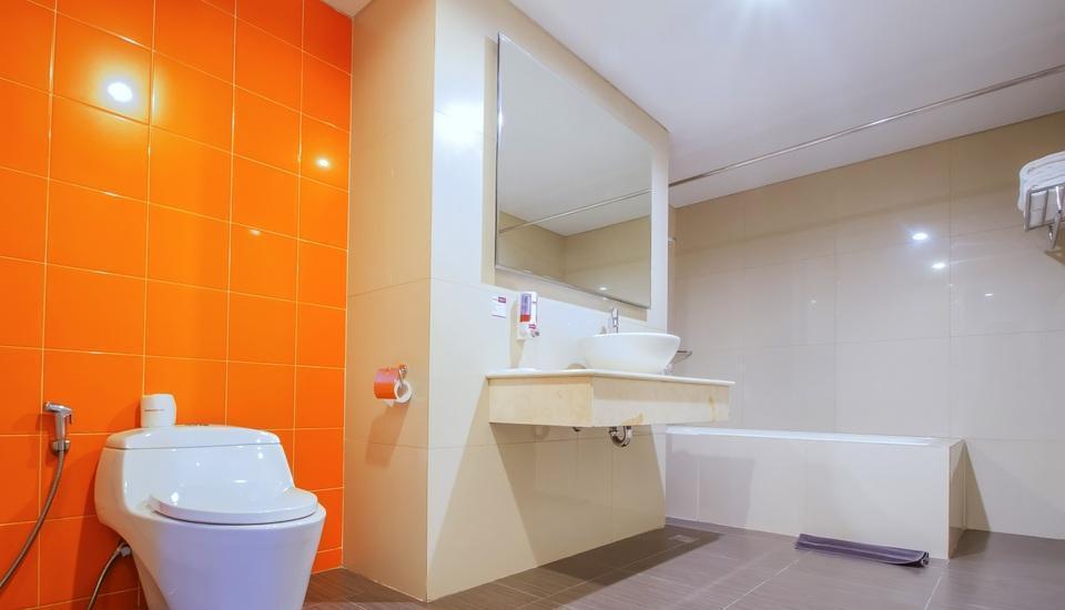 Fave Hotel Balikpapan - Suite Room Regular Plan