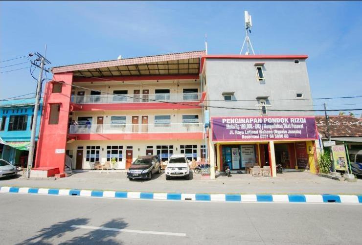 Pondok Rizqi Surabaya - Tampak depan