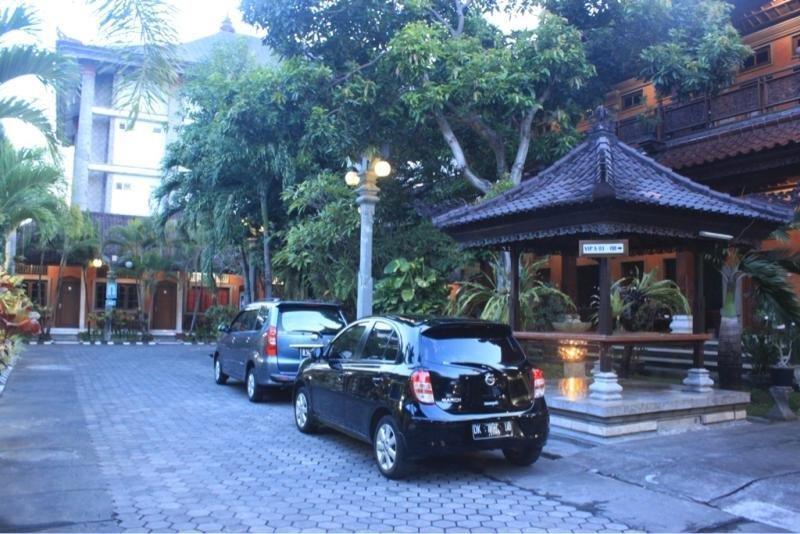 Hotel Ratu Bali - Parking 1