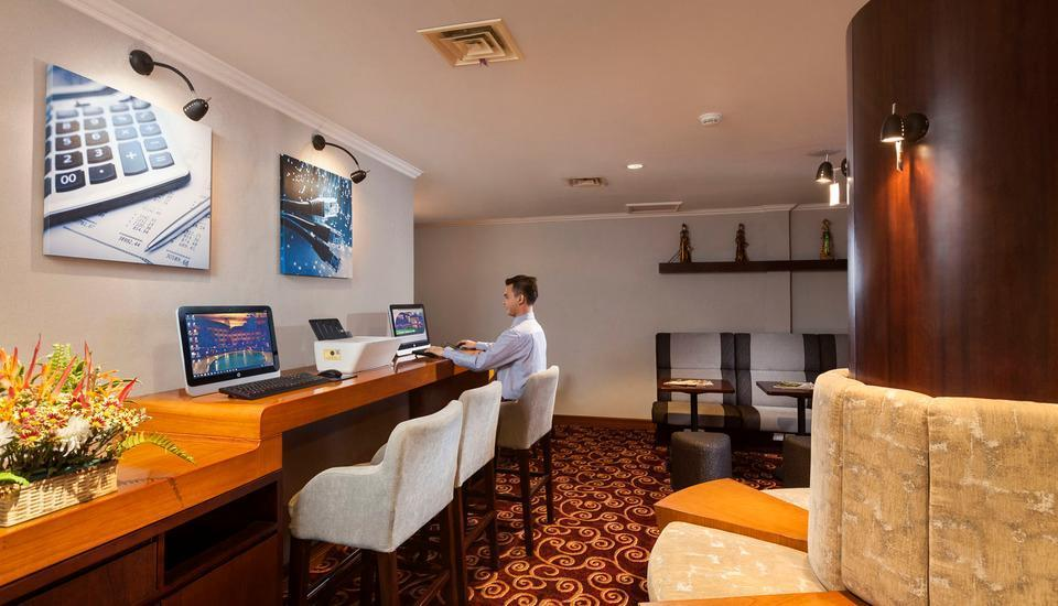 Kota Bukit Indah Plaza Hotel Purwakarta - Cyber Lounge