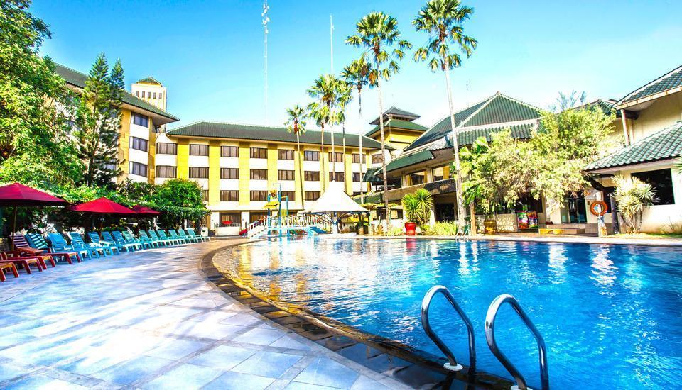 Kota Bukit Indah Plaza Hotel Purwakarta - Kolam Renang