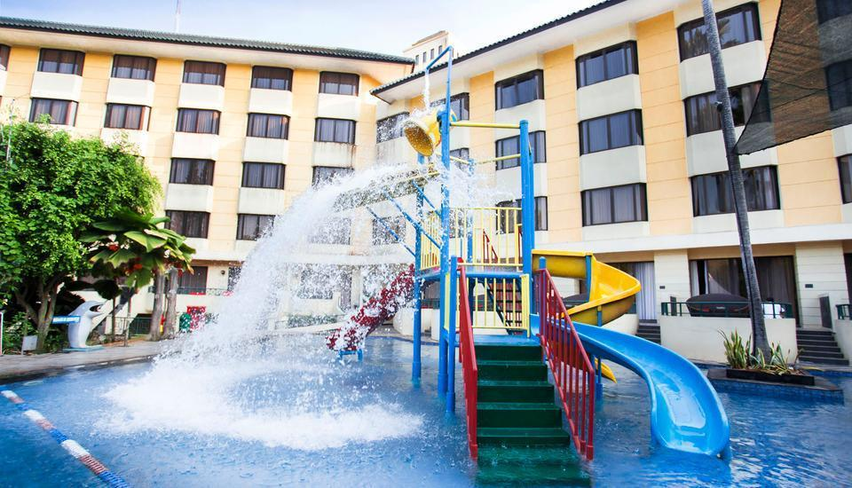 Kota Bukit Indah Plaza Hotel Purwakarta - Taman Air