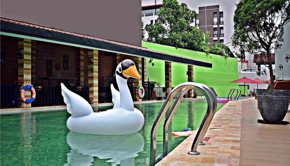 Meotel Purwokerto - Pool