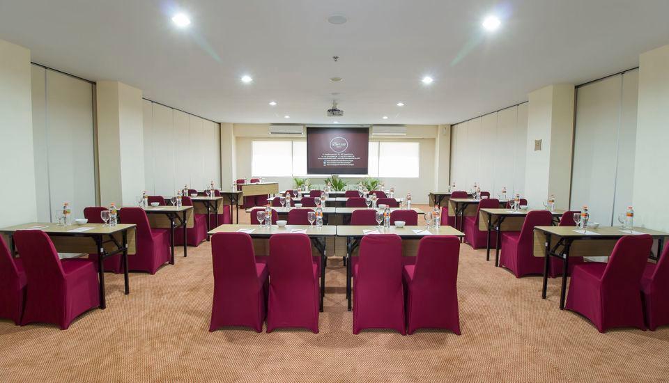 Burza Hotel  Yogyakarta - Meeting Room
