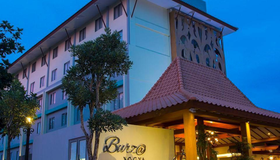 Burza Hotel  Yogyakarta - Side Hotel