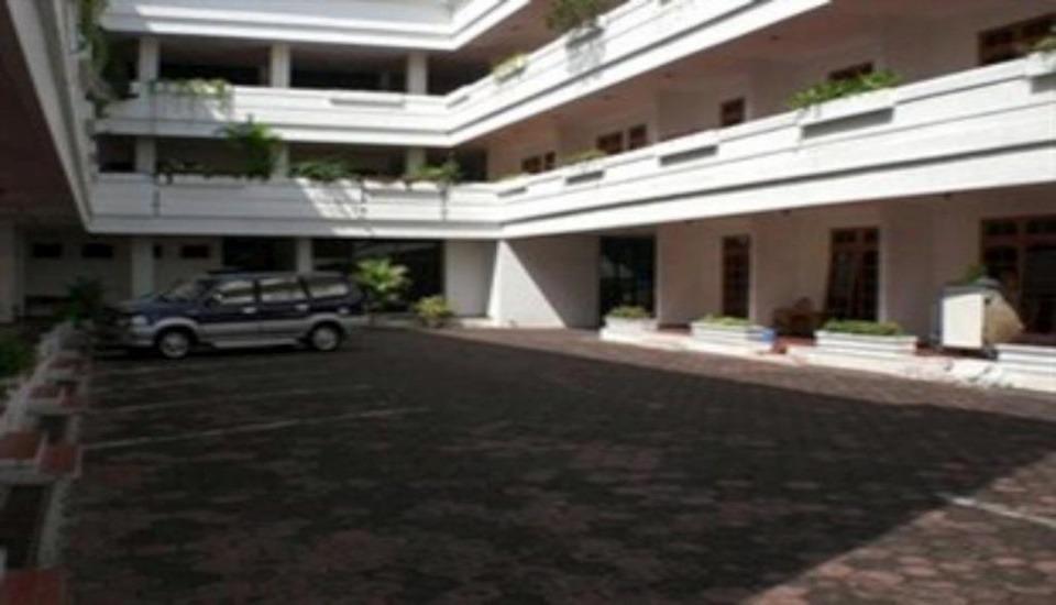 Kartika Abadi Hotel Madiun - Exterior