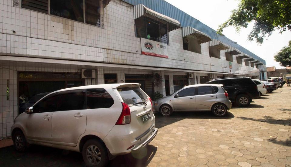 RedDoorz Near Trans Studio Mall Bandung - Eksterior