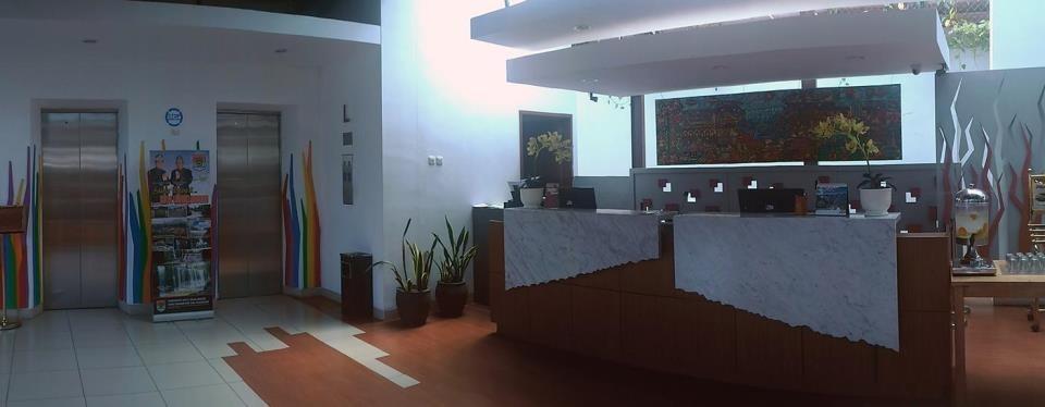 Burza Hotel Lubuk Linggau Lubuklinggau - Receptionist