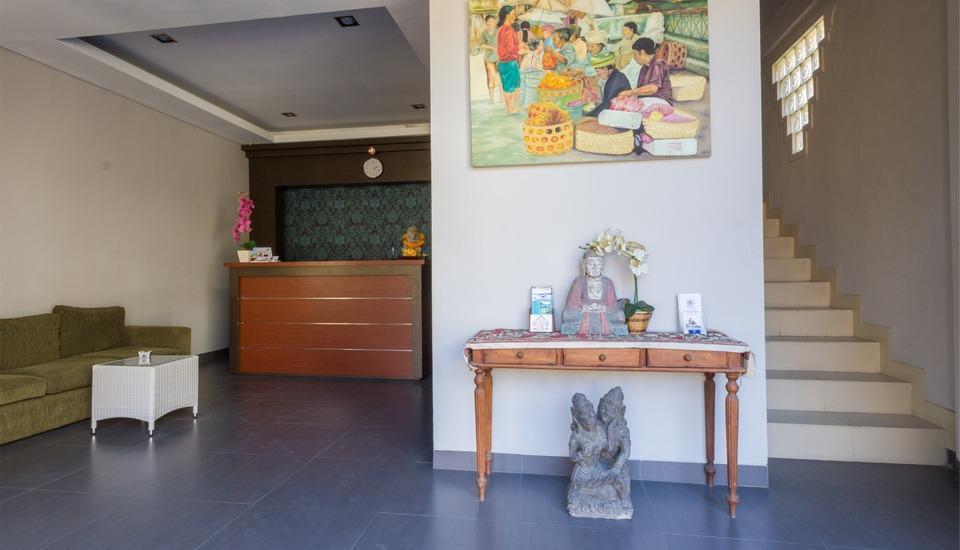 RedDoorz @Troppozone Legian Bali - Lobi