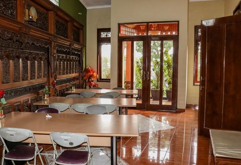 NIDA Rooms Lodaya 83 Lenkong - Ruang tamu