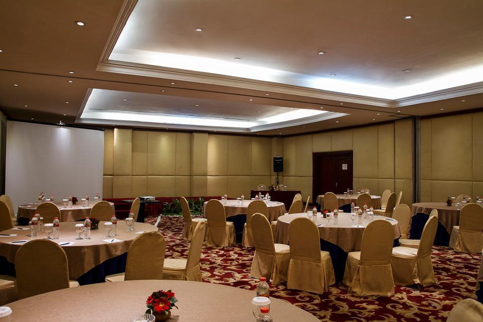 Verwood Hotel and Serviced Residence Surabaya - Meeting Room
