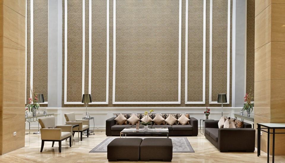 Travello Hotel Bandung -  Lobby Sofa