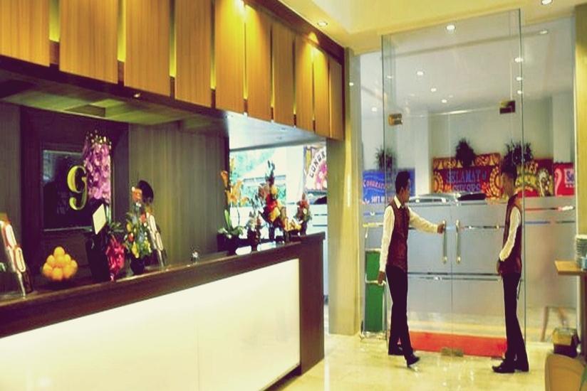 G Hotel Pontianak - Resepsionis