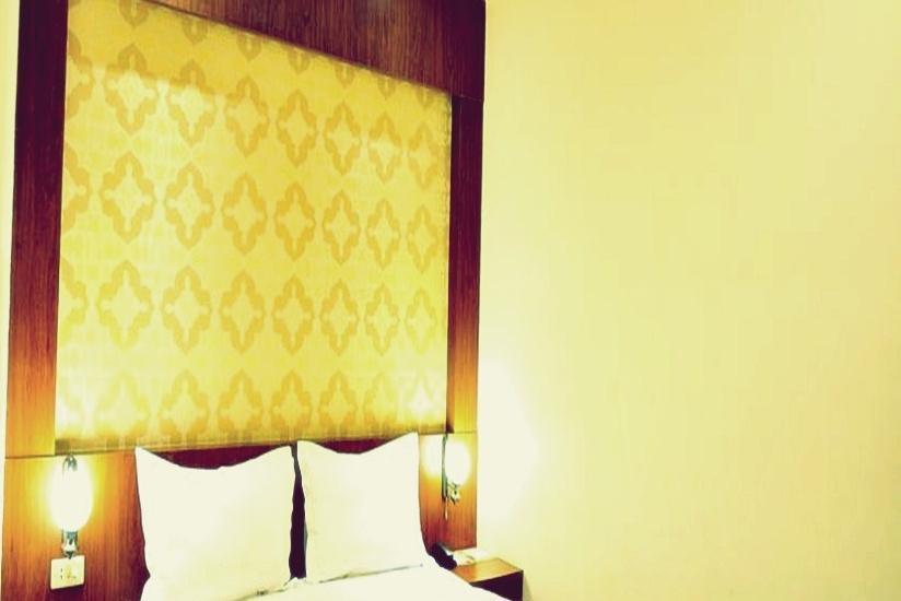 G Hotel Pontianak - Superior Room Only Regular Plan
