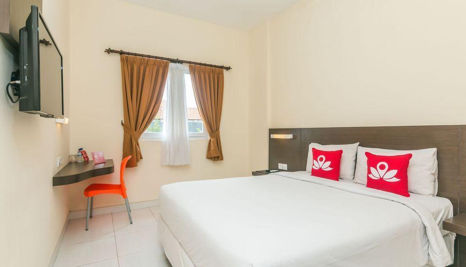 ZenRooms Legian Sri Laksmi Bali - Tempat Tidur Double