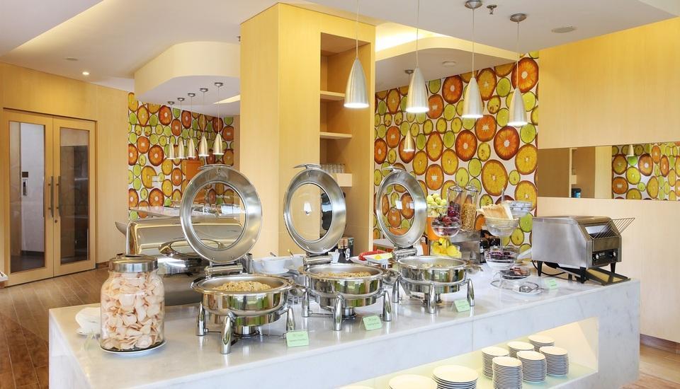 Zest Hotel Airport Tangerang - Buffet