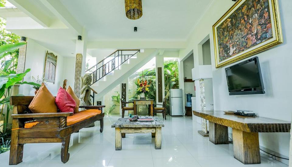 Gusde House & Villa Bali - Ruang tamu