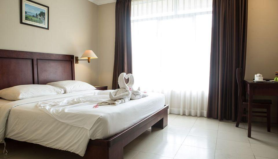 COMFORTA HOTEL TANJUNG PINANG - Bungalow Pool View Regular Plan