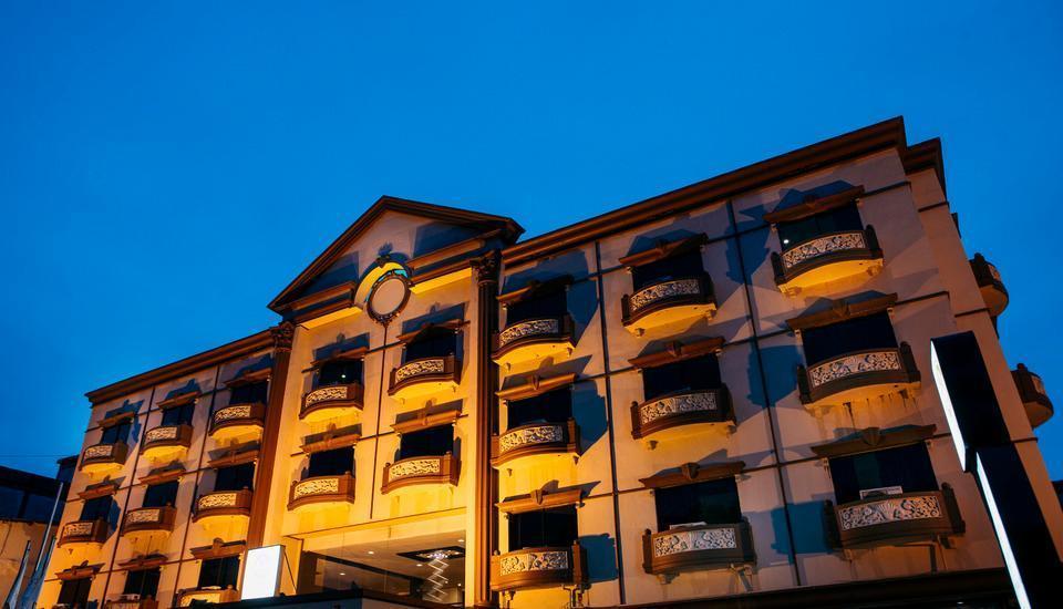 COMFORTA HOTEL TANJUNG PINANG - building