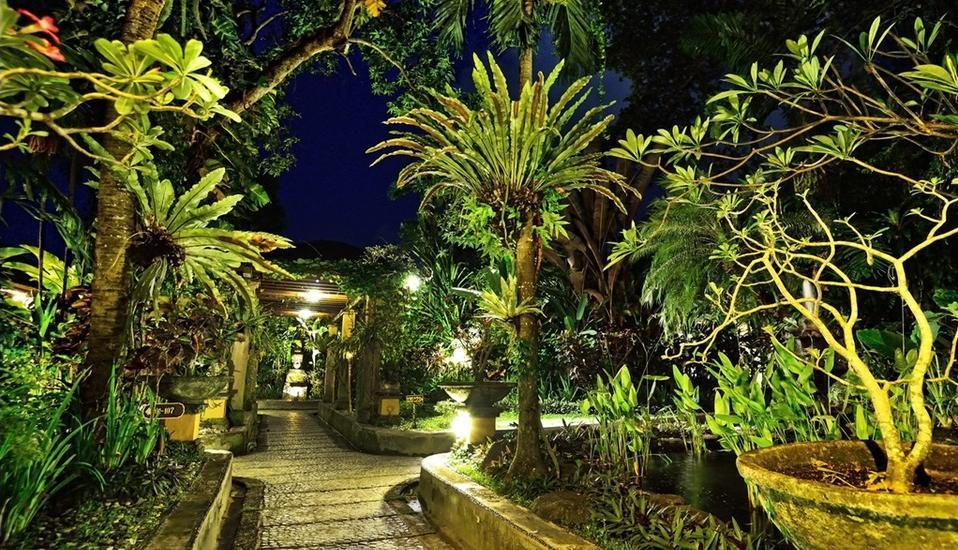 Diwangkara Holiday Villa Beach Resort Bali - Taman