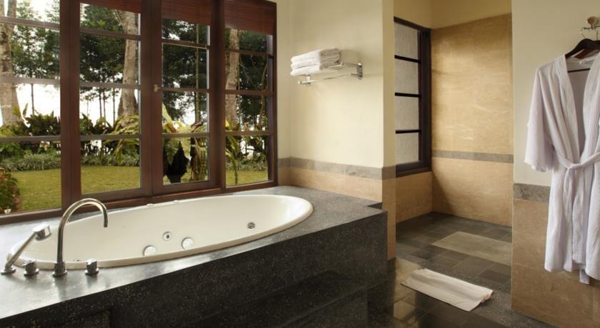 Resor Puricandikuning Retreat Bali - Kamar mandi