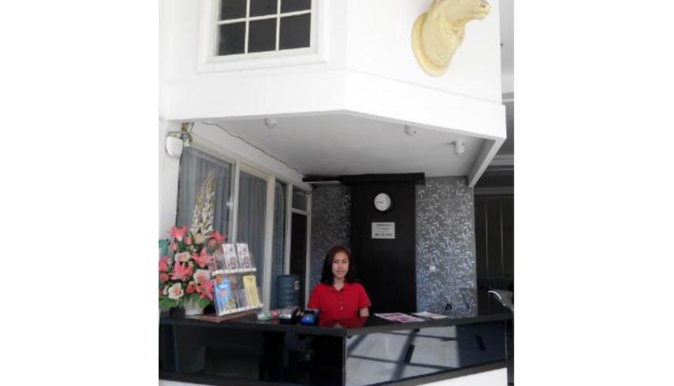 De Wahyu Hotel & Convention Malang - Reception