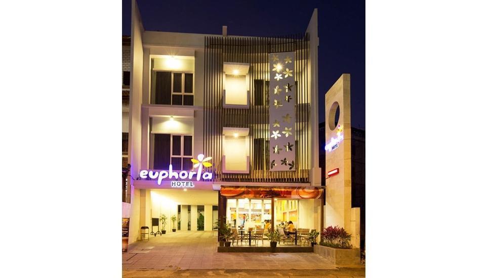 Euphoria Hotel  Bali  - Entrance